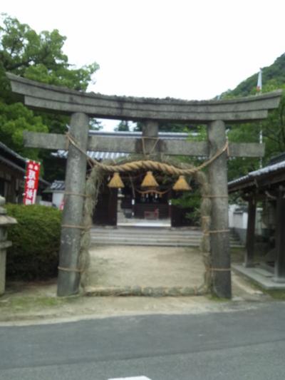 ピンボケで申し訳ない。歴史があるから行ってみてください。糸碕神社に行ってきました。駐車場あり。