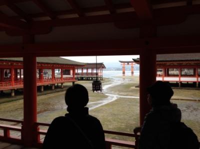 厳島神社の床板は八枚で一組(安芸の宮島)